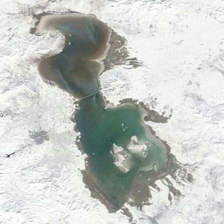 تصویر ماهوارهای از بارش برف در اطراف دریاچه ارومیه