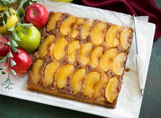 کیک سیب وارونه؛ گرم و شیرین و پر عطر