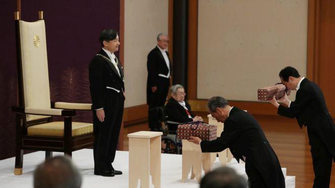 ناروهیتو رسما امپراتور ژاپن شد