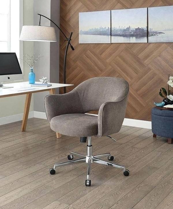 میز و صندلیهای ارگونومیک کامپیوتر