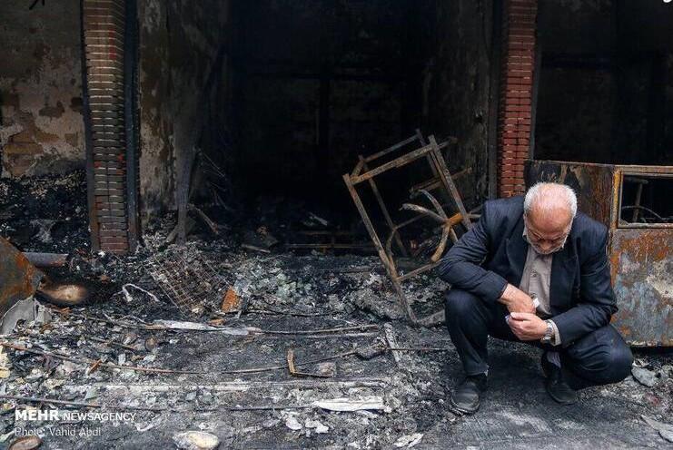 ثبت لحظهای تلخ از آتشسوزی تبریز