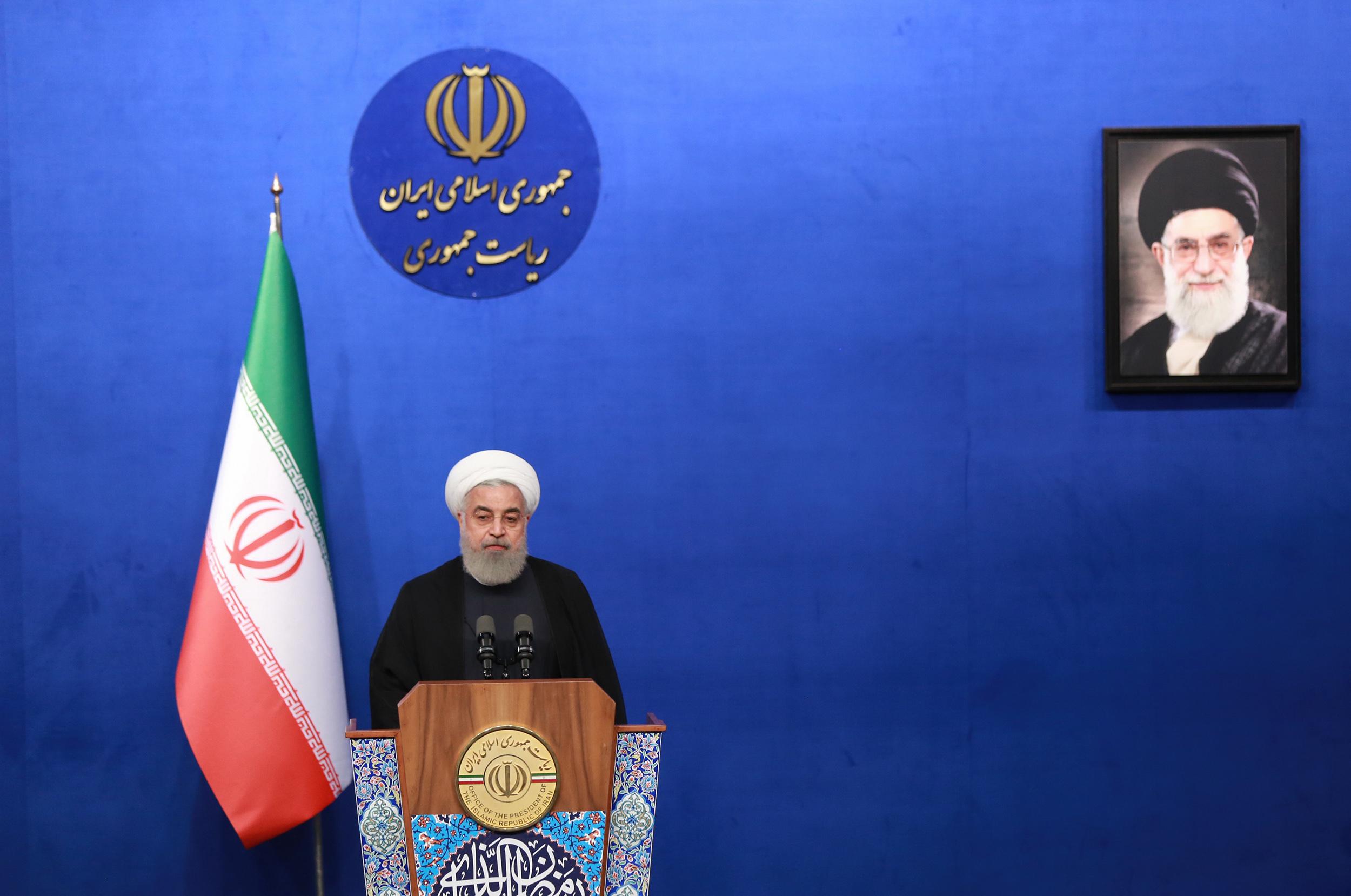 روحانی: مشارکت فعال همه اقوام و مذاهب در امور کشور، تصمیم این دولت و نظام است