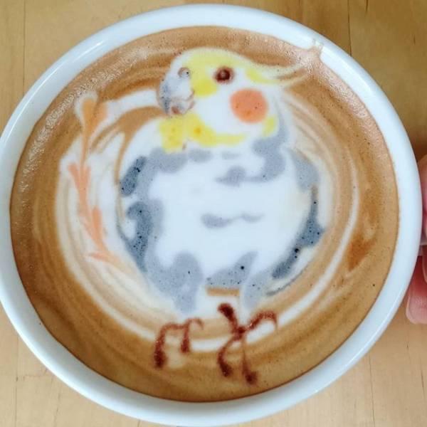 طراحی پرترههای زیبا داخل یک فنجان قهوه