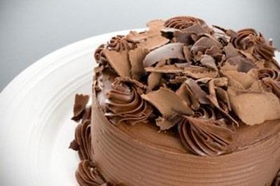 طرز تهیه ورقههای شکلات رولی برای تزیین کیکها