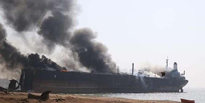 آغاز عملیات نجات ملوانان / احتمال غرق شدن نفتکش/ محموله های نفتی متعلق به ژاپن