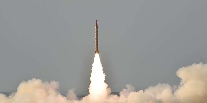 آزمایش بمب نیم تُنی هند در واکنش به شلیک موشک جدید پاکستان
