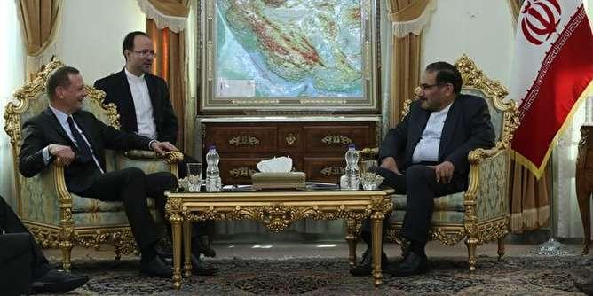 شمخانی: کاهش تعهدات هستهای راهبرد غیرقابل تغییر ایران است/ بون: مکرون به دنبال آتشبس در جنگ اقتصادی آمریکا علیه ایران است