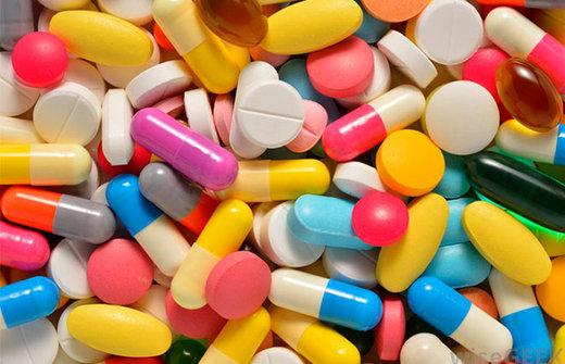 اگر مثل نقل و نبات دارو مصرف میکنید، بخوانید