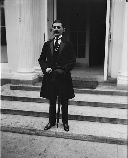 حسین علاء؛ نخست وزیر و پدر معنوی محمدرضا شاه پهلوی