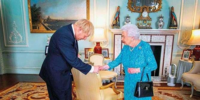جانسون پارلمان بریتانیا را پیش از برگزیت تعلیق میکند