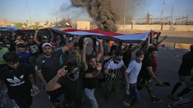 افزایش تعداد کشته شدگان در اعتراضات/ اینترنت در بغداد قطع شد