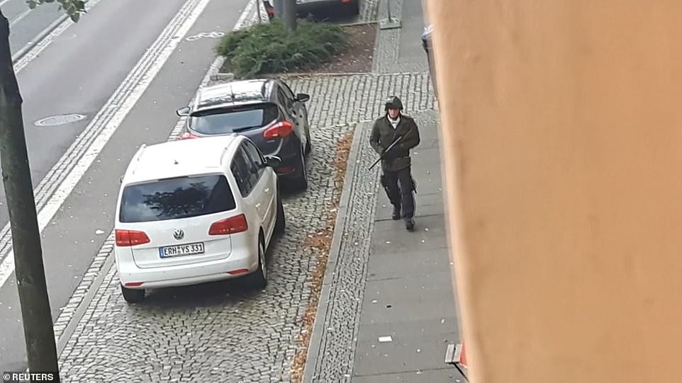 دو کشته در پی تیراندازی در مقابل کنیسه یهودیان در آلمان