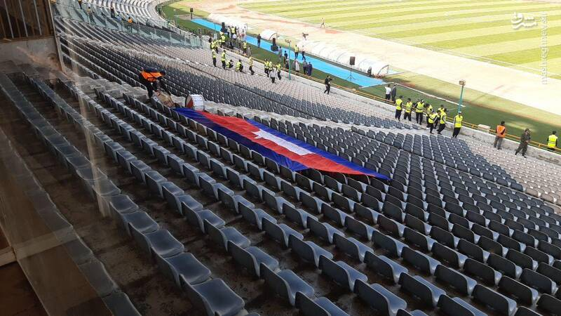 هوادار کامبوجی حاضر در ورزشگاه آزادی + عکس