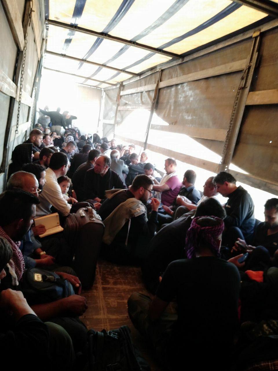 حشدالشعبی به کمک زائران ایرانی آمد +عکس