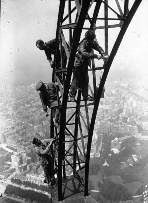 رنگ کردن برج ایفل در ۸۳ سال قبل +عکس