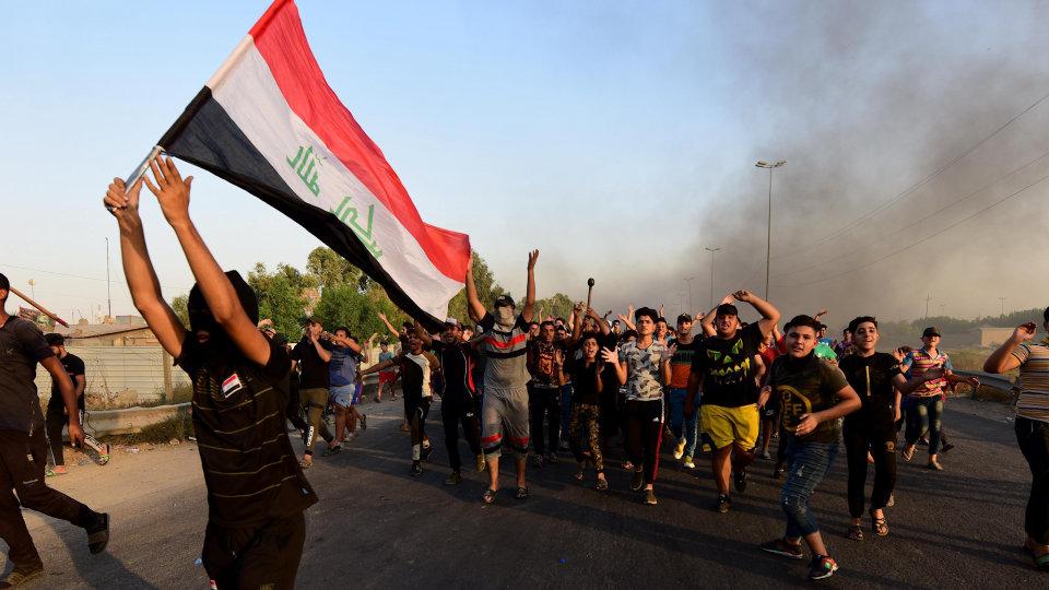 آخرین گزارشها از تعرض به کنسولگری و پرچم ایران در کربلا