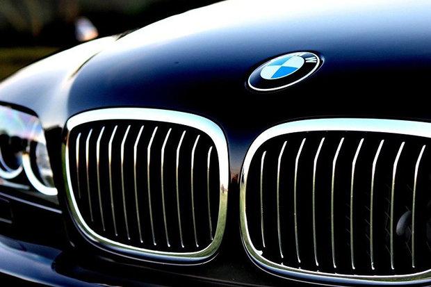 BMW با لحنی عجیب 12000 خودرو را فراخواند!