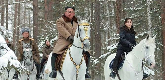 اسب سفید و هدیه کریسمس؛ پیامهای رازآلود کره شمالی به آمریکا
