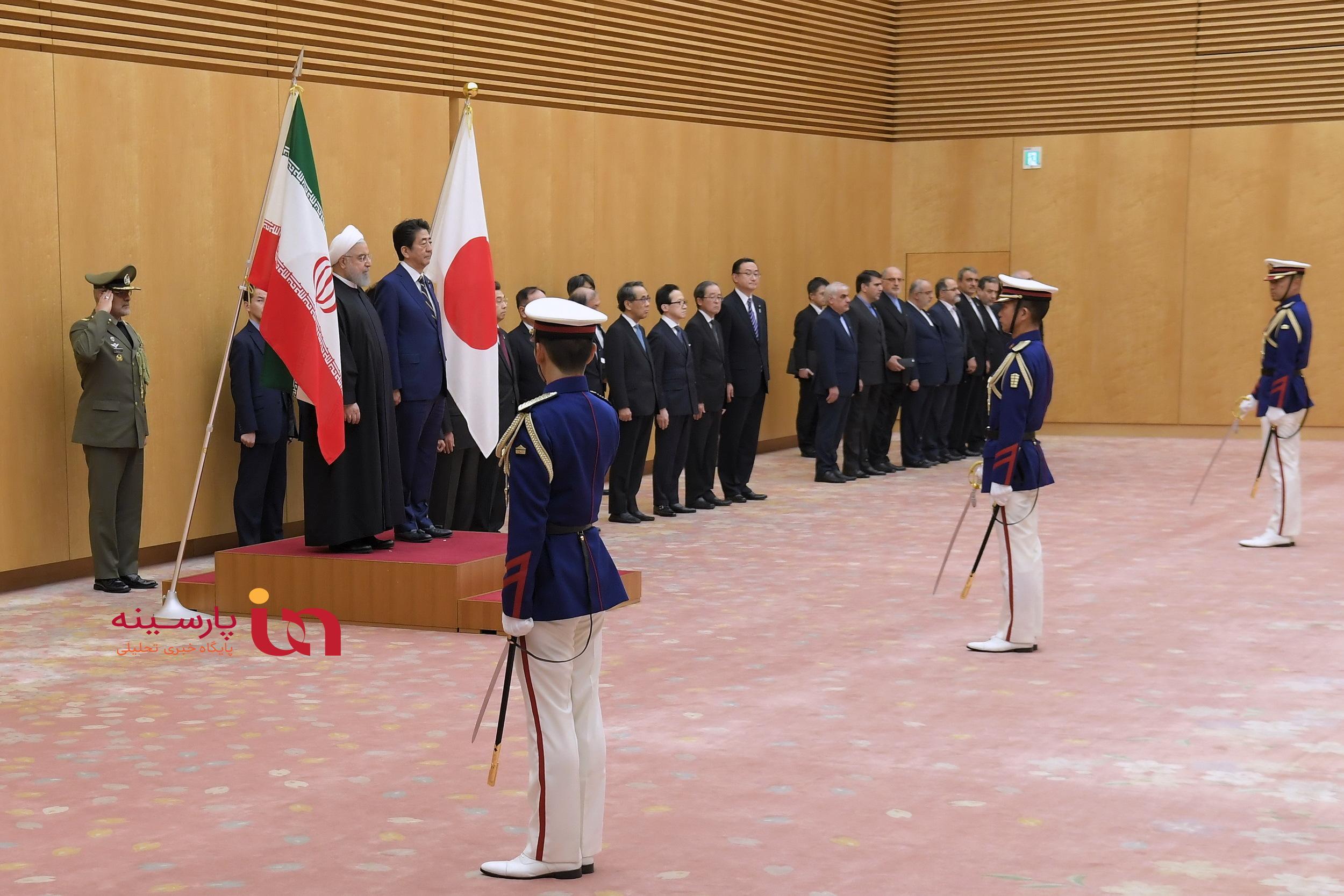 تفاوت استقبال رسمی «آبه» از ترامپ با روحانی!+عکس