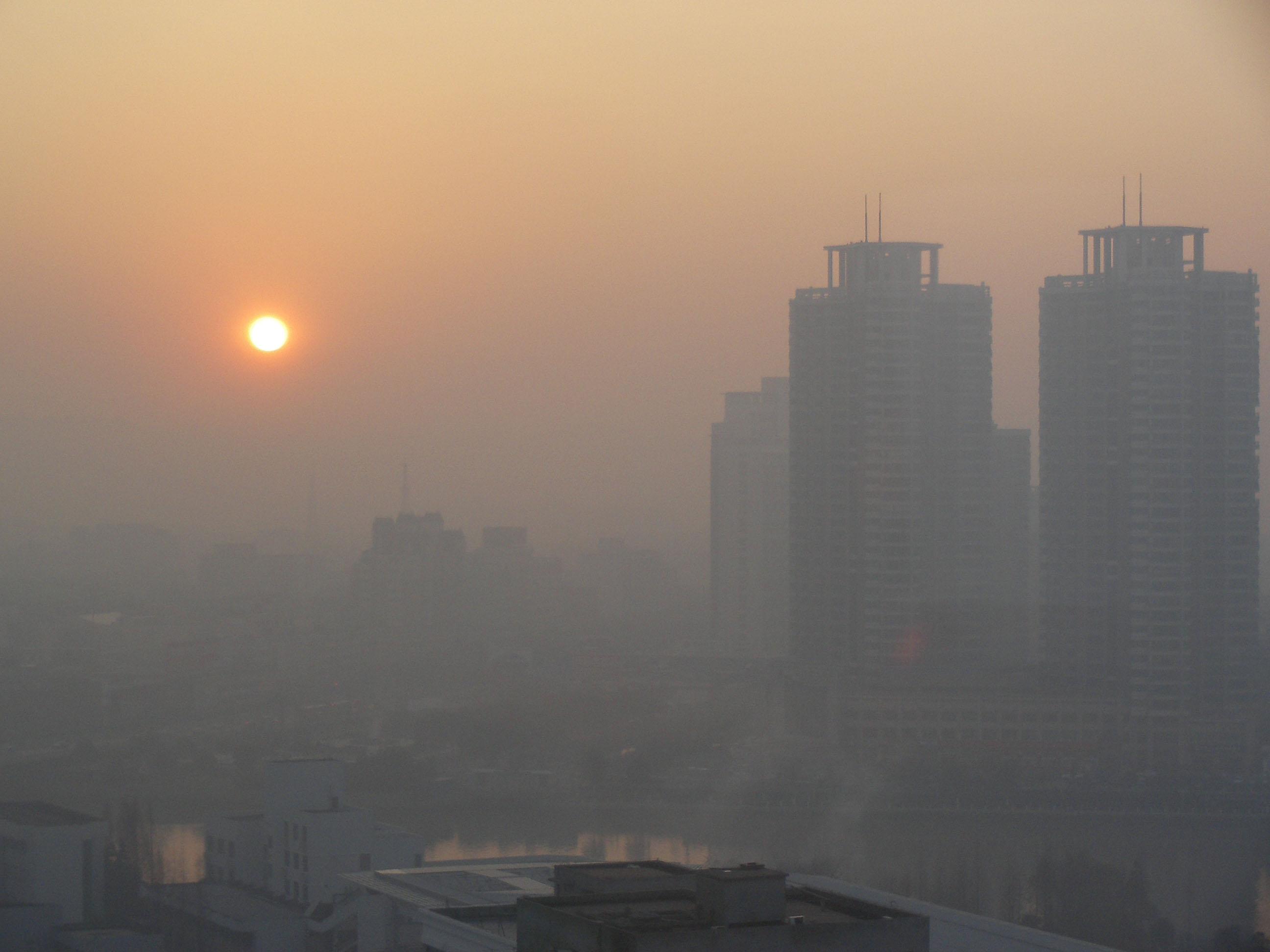تهران در محاصره آلودگی / محدودیت ترافیکی خودروهای پایتخت
