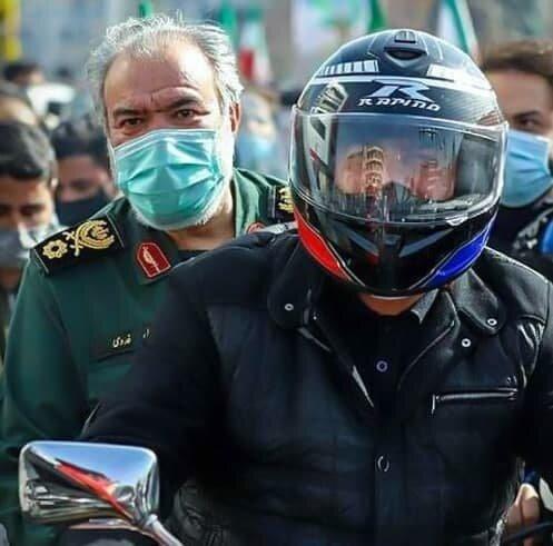 حضور متفاوت جانشین فرمانده کل سپاه در راهپیمایی ۲۲ بهمن + عکس