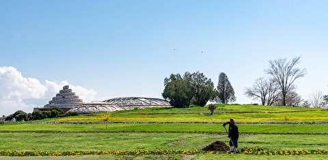 زیباسازی محوطه کاخ مروارید