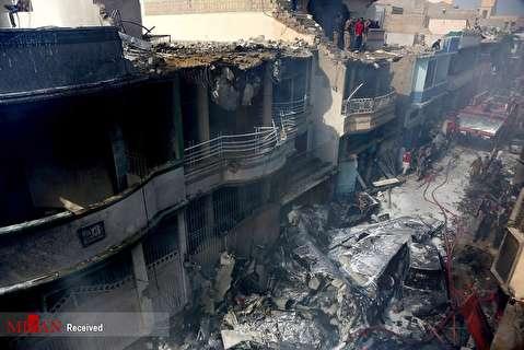 سقوط هواپیمای مسافربری در کراچی پاکستان