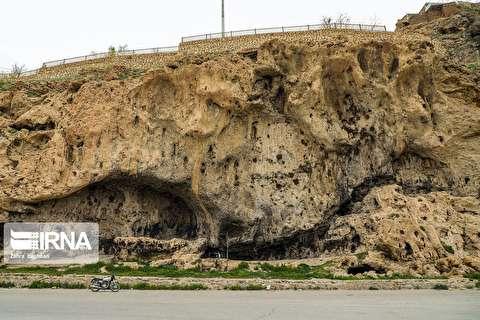 بقایای مدرسه ۱۰۰۰ساله در سمیرم