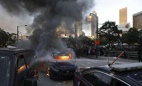 حمله معترضان به دفتر CNN در آتلانتا