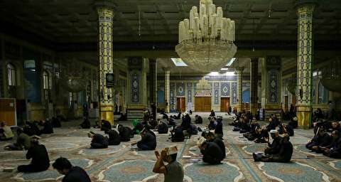حضور شبزندهداران در اطراف مسجد جمکران