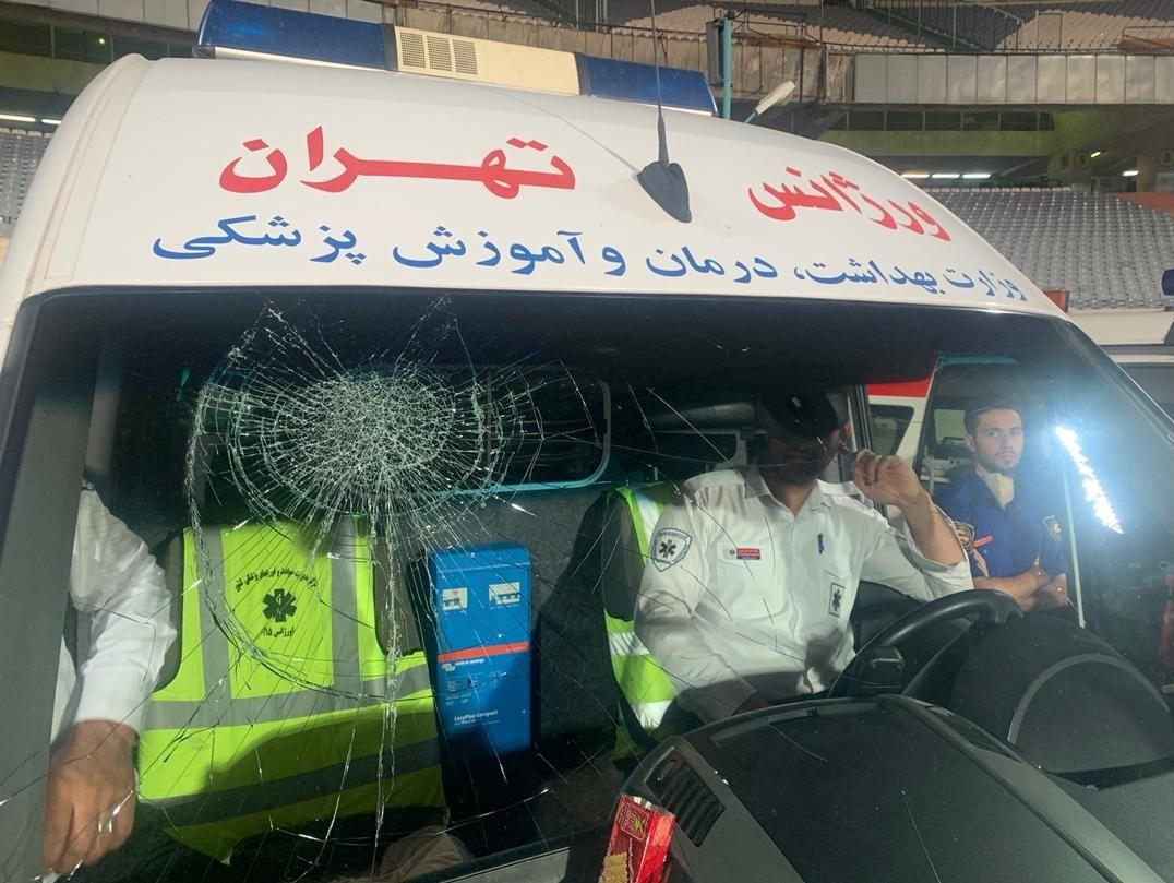 مسعود شجاعی شیشه آمبولانس را شکست+ عکس