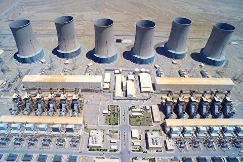 بازدید مدیرعامل بانک دی از نیروگاه تولید برق دماوند