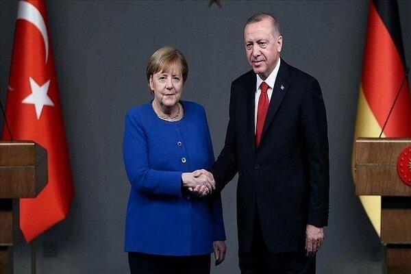 در تماسی تلفنی: اردوغان و مرکل گفتگو کردند