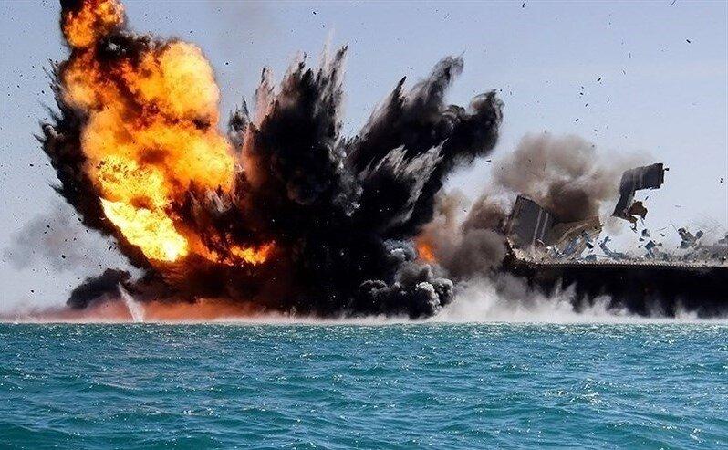 مقابله با ناو هواپیمابر آمریکایی توسط سپاه پاسداران در خلیج فارس + عکس