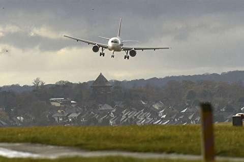 فرود سخت هواپیما در طوفان + فیلم