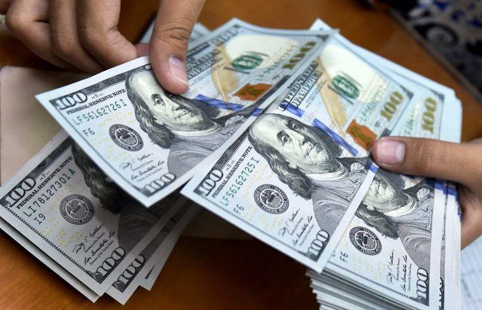 قیمت خرید دلار به کانال ۲۵ هزار تومان وارد شد/ قیمت فروش دلار؛ ۲۷ هزار تومان+ لیست جدید قیمت ارز، سکه و طلا