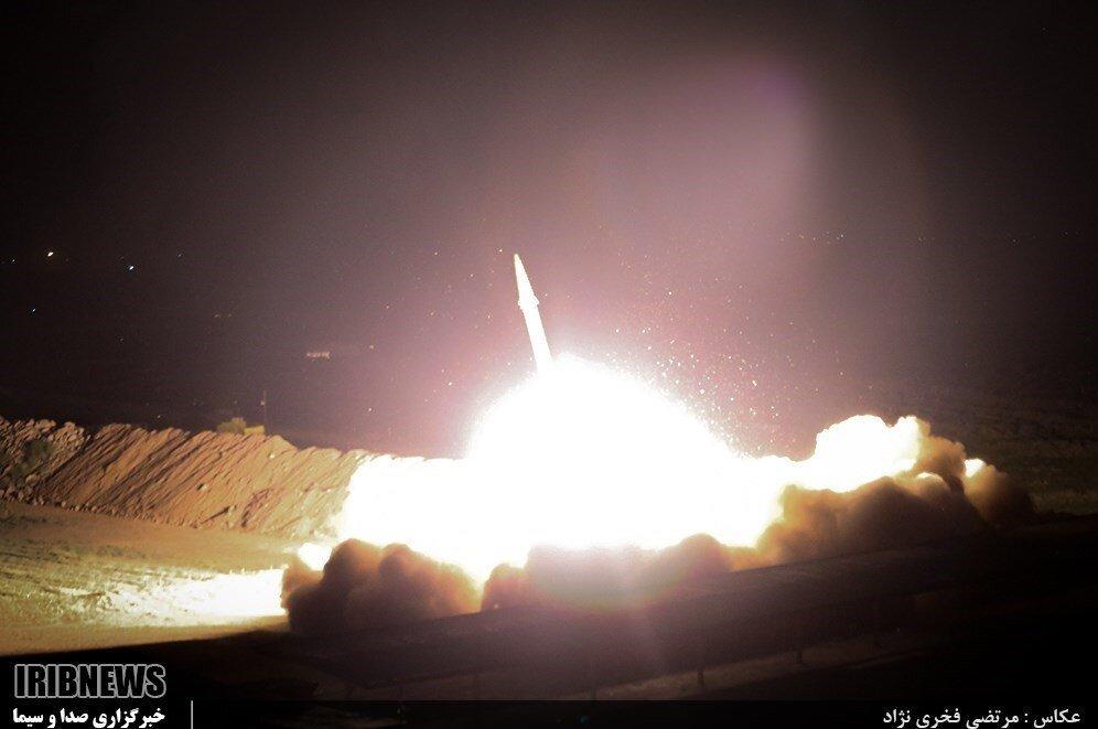 تصویر موشک ایرانی که مقر تروریست ها را نابود کرد