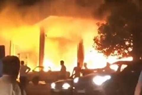 آتش سوزی پمپ بنزین تاکستان + فیلم