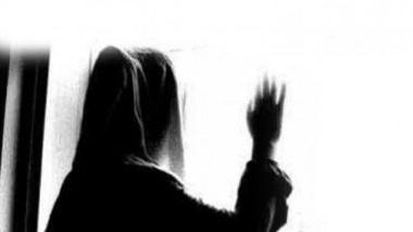 دختر جوان: خواستگارم در حد مرگ مرا کتک میزند و با انتشار فیلم سیاه مرا تهدید میکند