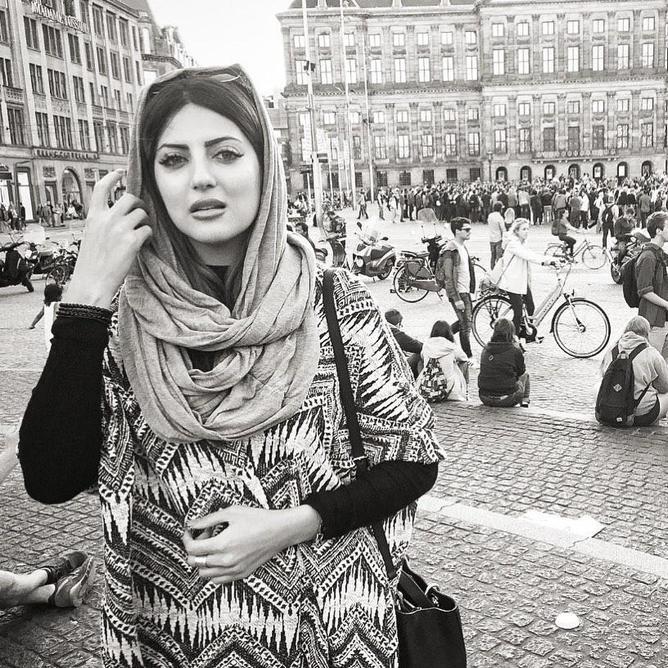 خارج گردیهای «هلیا امامی» با چهرهای خسته و آشفته عکس