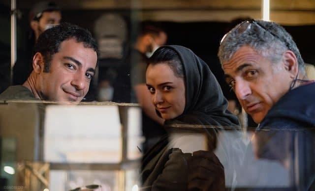 ترانه علیدوستی به همراه نوید محمدزاده در پشت صحنه فیلم تفریق + عکس