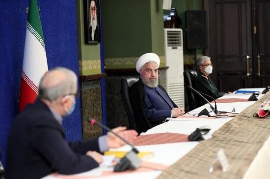نگاه پر از خشم حسن روحانی به وزیر بهداشت+عکس