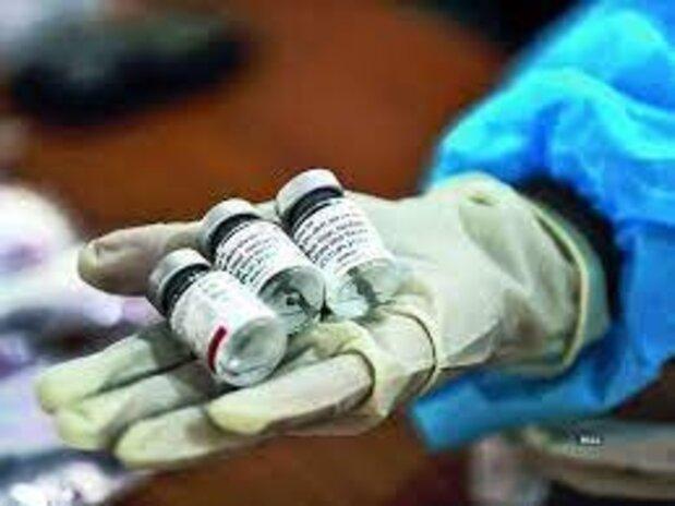 ورود چهارمین محموله واکسن کرونا از سوی هلال احمر/یک میلیون دوز دیگر هفته آتی میآید