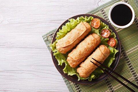طرز تهیه رول مرغ سوخاری با کره و سبزیجات + فیلم