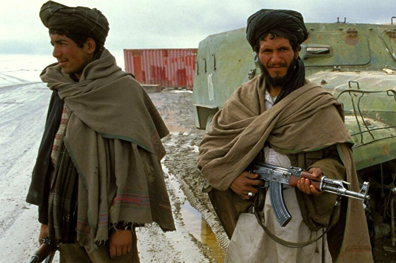 عاقبت موبایل دزدی در افغانستان در زمان طالبان +فیلم