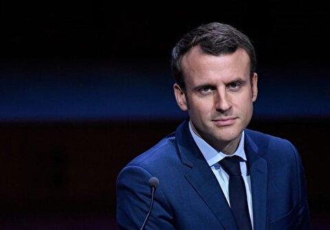 حمله تخم مرغی به مکرون رئیس جمهور فرانسه در لیون + فیلم