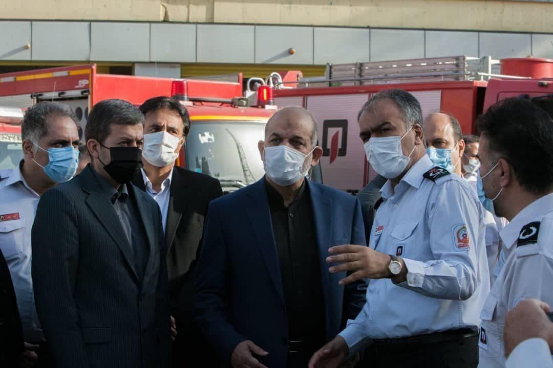 بازدید سرزده وزیر کشور از ایستگاه میدان حسن آباد آتش نشانی تهران