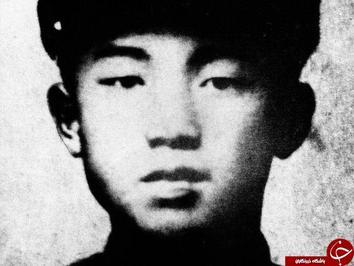 کیم ایل سونگ رهبر سابق کره جنوبی. این عکس در سال ۱۹۲۸ میلادی هنگامی که او تنها ۱۶ سال داشته گرفته شده است.