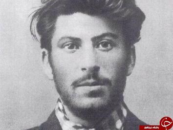 جوزف استالین رهبر اتحاد جماهیر شوروی؛ چند سال بعد از اخراج از مدرسه مذهبی.
