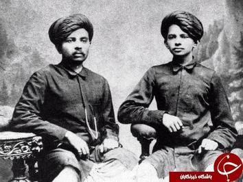 ماهاتما گاندی رهبر فقید هند همراه با برادرش در سال ۱۸۸۶ میلادی.